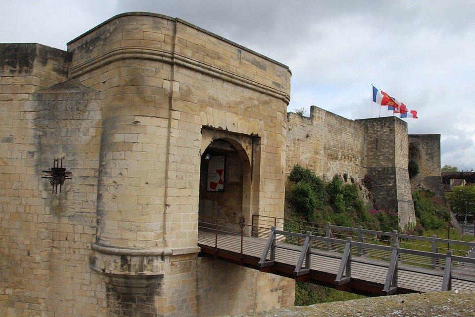 Rejser til Caen